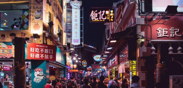 Chinesische Frauen in Macau treffen
